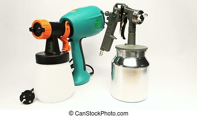 Electrical and mechanical, manual spray gun for...