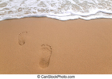 Footprints to the sea