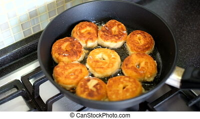 Fry donuts in the pan HD