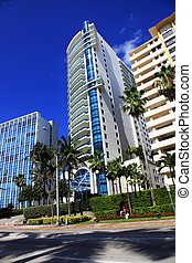 Luxurious apartment building in Miami - Luxurious apartment...