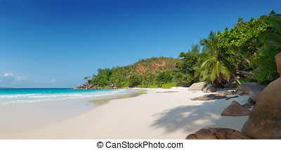 anse georgette in praslin island seychelles - panoramic view...