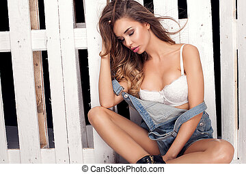 Fashion photo, sexy girl in jeans - Fashionable young...