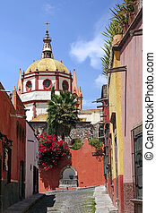 San Miguel de Allende - Dome and rear view of La Parroquia...
