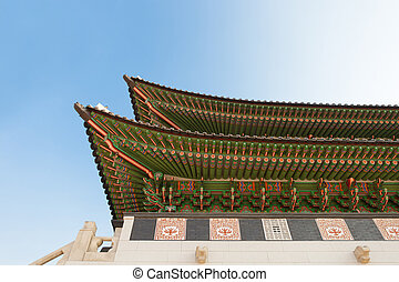 Gyeongbokgung palace gate in Seoul shot at day time -...