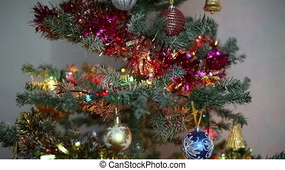 Decorating Christmas Tree in HD
