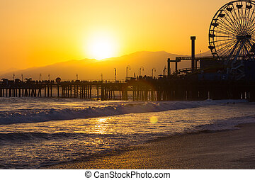 Sunset on Santa Monica Beach - Santa Monica Pier and Ferris...