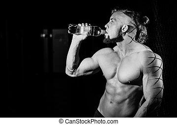 foto, joven,  muscular, negro, botella, agua, blanco, hombre, guapo