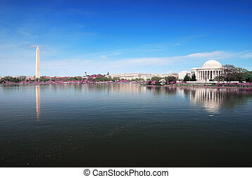 Washington DC panorama with Washington monument and Thomas...