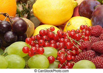 large heap of fresh fruit