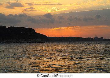 nice bulgarian sea sunset in the Kitten