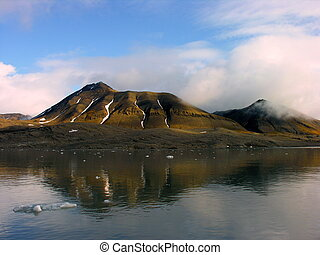 Sightseen in Svalbard - Artic Desert Sightseen in Svalbard,...