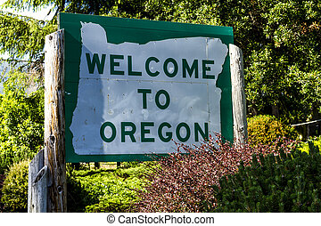 Welcome to Oregon Highway Sign - Welcome to Oregon state...