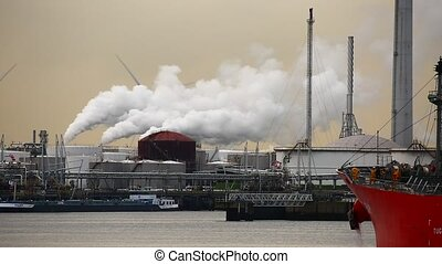 Refinery and power plant - Industrial facilities with ship...