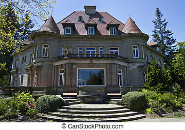Old Historic Pittock Mansion in Portland Oregon