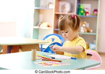 Little girl draw with color markers - Cute little girl draw...