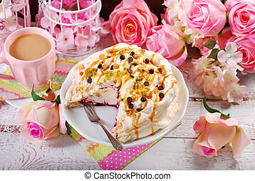 meringue cake with fresh maracuja and caramel - partly...