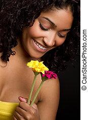 mulher, cheirando, flores