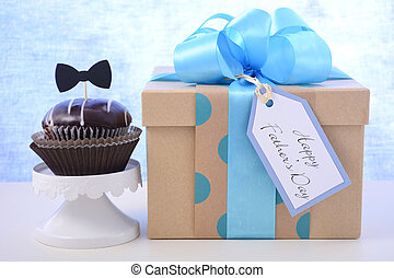 Fathers Day cupcake gift.