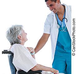 Sênior, paciente, sentando, Cadeira rodas, falando,...