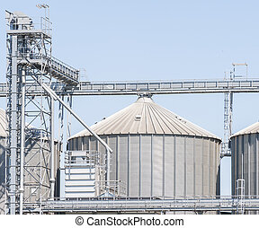 Storage facility cereals, and biogas production - Storage...