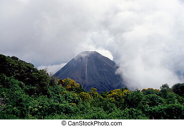 dormant volcano in El Salvador
