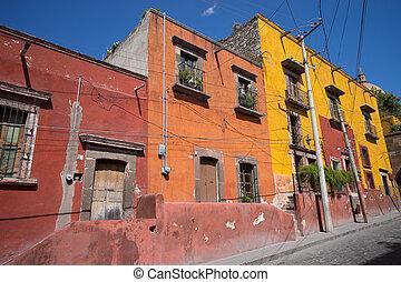 mexican streetscape in San Miguel de Allende - San Miguel de...