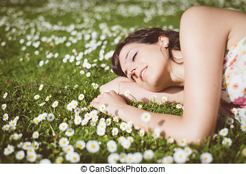 Romantic woman day dreaming - Happy woman resting and day...