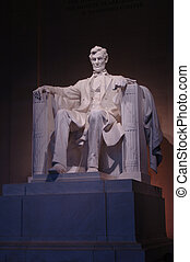 Lincoln Memorial statue - Interior of Lincoln Memorial in...