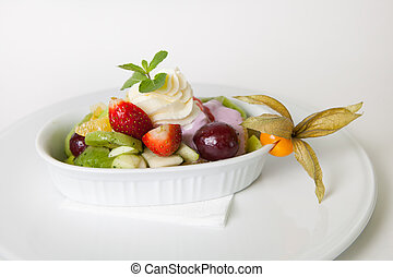 Fruit salad with ice cream - Mixed fruits salad with ice...