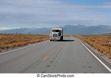 Colorado high way 150 - ALAMOSA COUNTY, COLORADO/USA -...