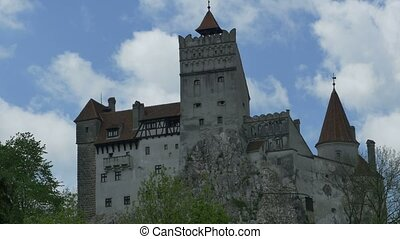 Dracula Castle Day - Timelapse in a spring day with the Bran...