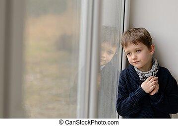 triste, pensativo, pequeno, Menino, olhar, através, a,...