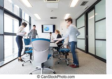 Grupo, negócio, pessoas, sala, movimento, Entrar, Borrão,...