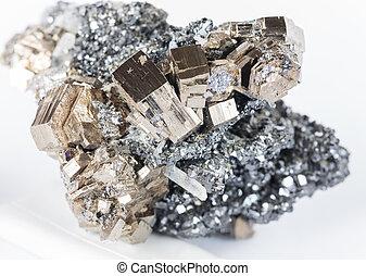 cobrable, pyrrhotite, espécimen,