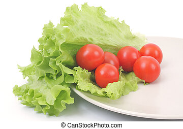 Healthy garden salad with tomatoes and lettuce
