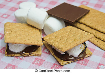 Yummy S'mores - Yummy S'more on cute table