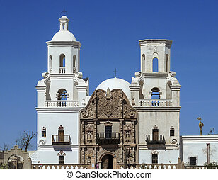 the san xavier del bac mission in tucson arizona