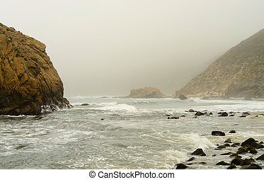 Julia Pfeiffer State Park - Foggy day at Julia Pfeiffer...