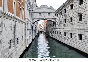 Ponte dei sospiri in Venice, Italy - Ponte dei sospiri and...