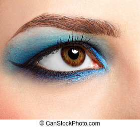 girl\'s eyezone make up