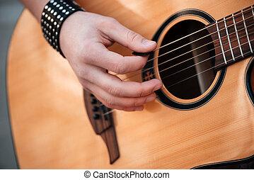 mâle, mains, jouer, sur, guitare, Dehors,