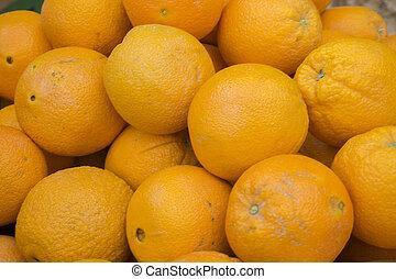 fresh oranges in the market