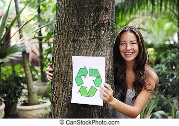 recycling:, mulher, floresta, segurando, recicle, sinal