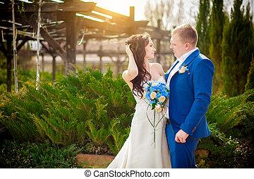 sommer, romantische, Momente, Paar, junger, draußen,  wedding, Genießen, Wiese