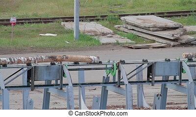 Wheel loader and automatic sorting logs diameter - Lumber...