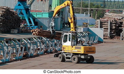 HEAVY EQUIPMENT TRUCK PICKER LUMBER FACTORY - Lumber...