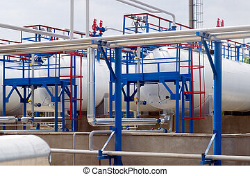 Fuel tanks - Oil tanks at the gas processing plant