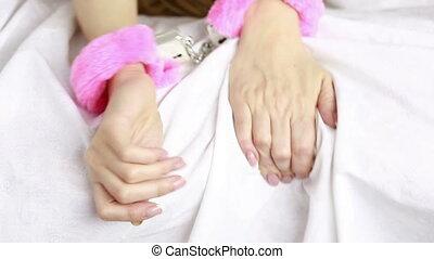 femininas, mãos, em, couro, handcuffs., sexo, toys.,