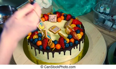 dessert cake decoration - Making a small birthday cake for...