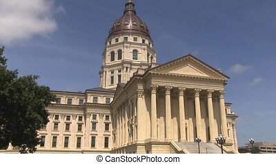 Kansas Statehouse Capital Building - Kansas Statehouse...